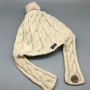 Patagonia cable knit sweater pom beanie hat